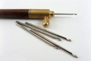 Что представляет собой люневильский крючок для вышивки?